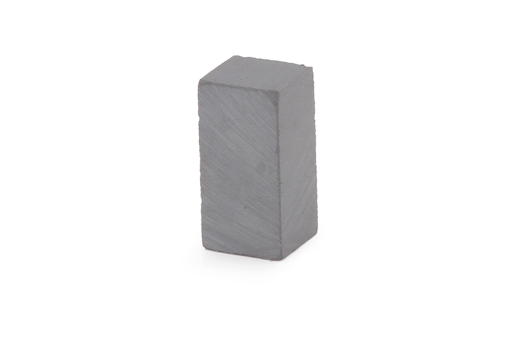 Ферритовый магнит 8х8х16 мм (прямоугольник)