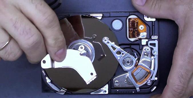 как разобрать жесткий диск 2 675х344.jpg