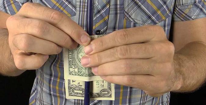 Фокусы с деньгами привлекают особенное внимание зрителей