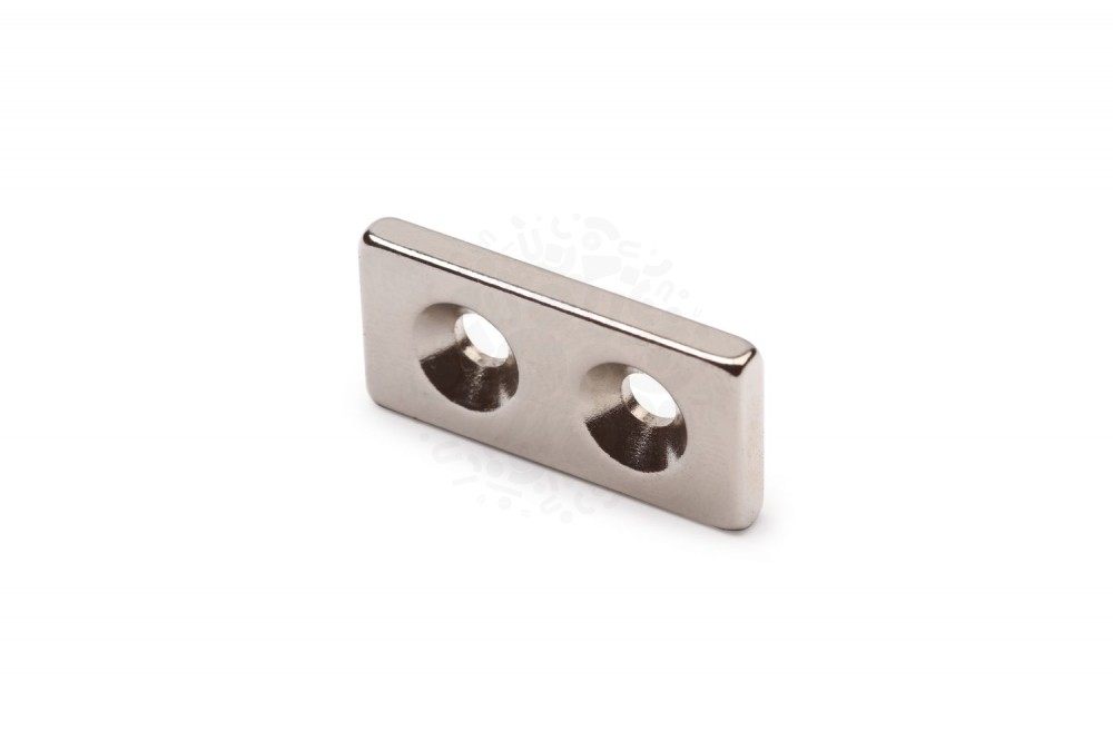 Неодимовый магнит прямоугольник 25х12х3 мм с двумя зенковками 4/9 мм в Барнауле