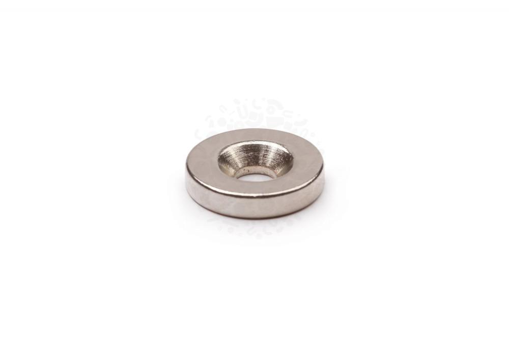 Неодимовый магнит диск 15х3 мм с зенковкой 3/7 мм в Курске