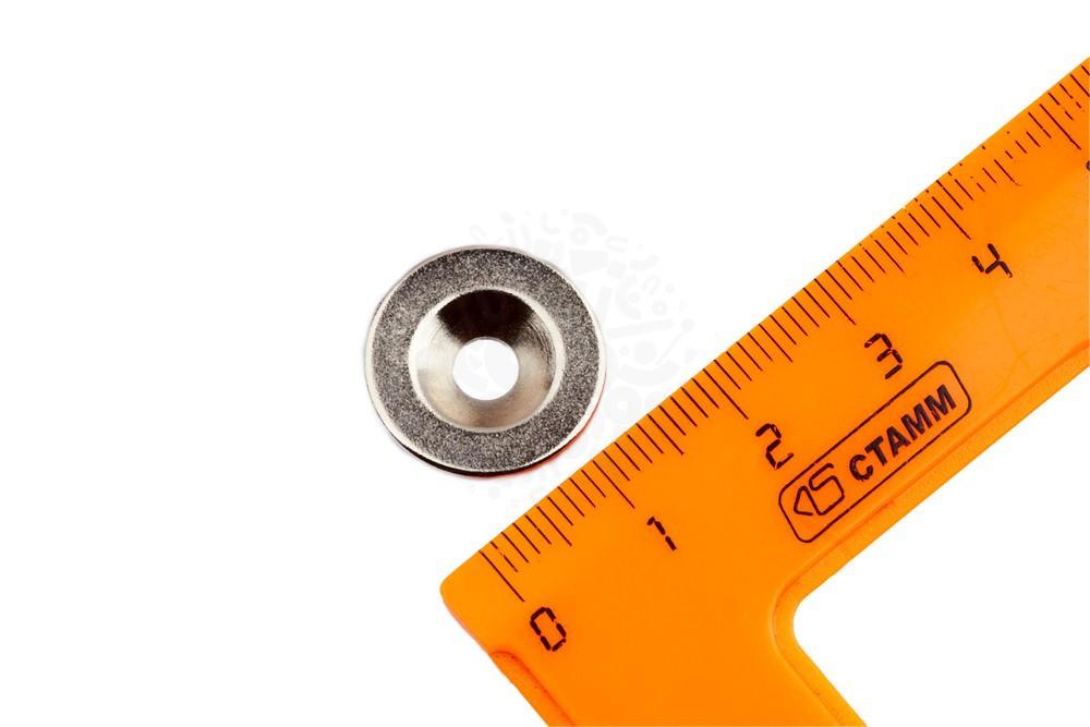 Неодимовый магнит диск 17х3 мм с зенковкой 4.5/9.46 мм, N35 в Саратове