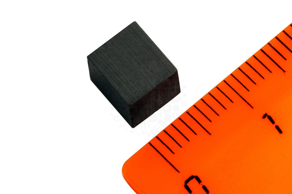 Ферритовый магнит прямоугольник 6.2х6.2х7 мм в Симферополе