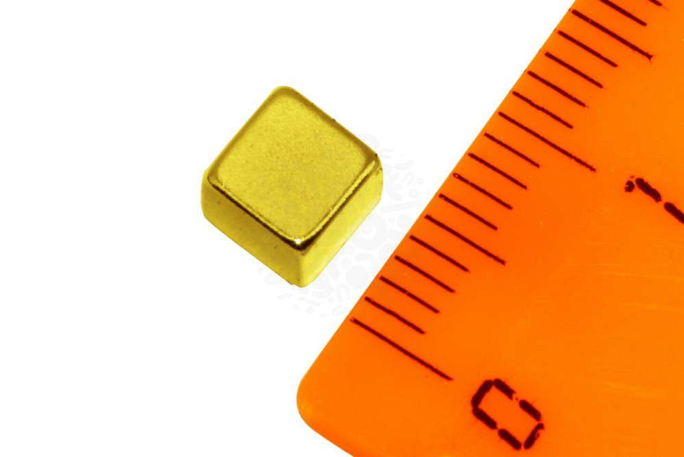 Неодимовый магнит прямоугольник 5х5х5 мм, золотой в Астрахани