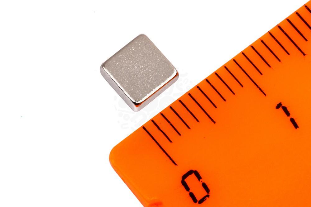 Неодимовый магнит прямоугольник 5х5х2 мм в Москве