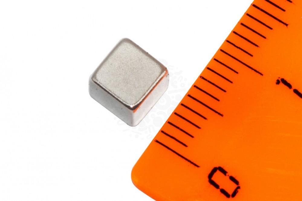 Неодимовый магнит прямоугольник 5х5х5 мм ,жемчужный в Екатеринбурге