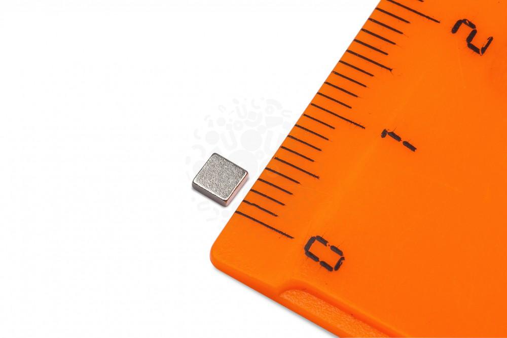 Неодимовый магнит прямоугольник 3х3х1 мм, N52 в Иркутске
