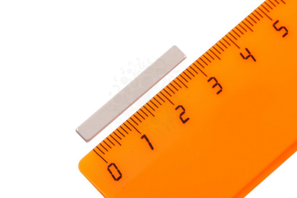 Неодимовый магнит прямоугольник 30х4х1 мм в Барнауле