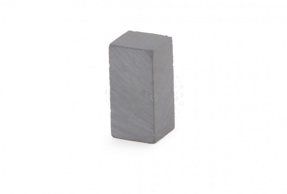 Ферритовый магнит прямоугольник 8х8х16 мм в Барнауле