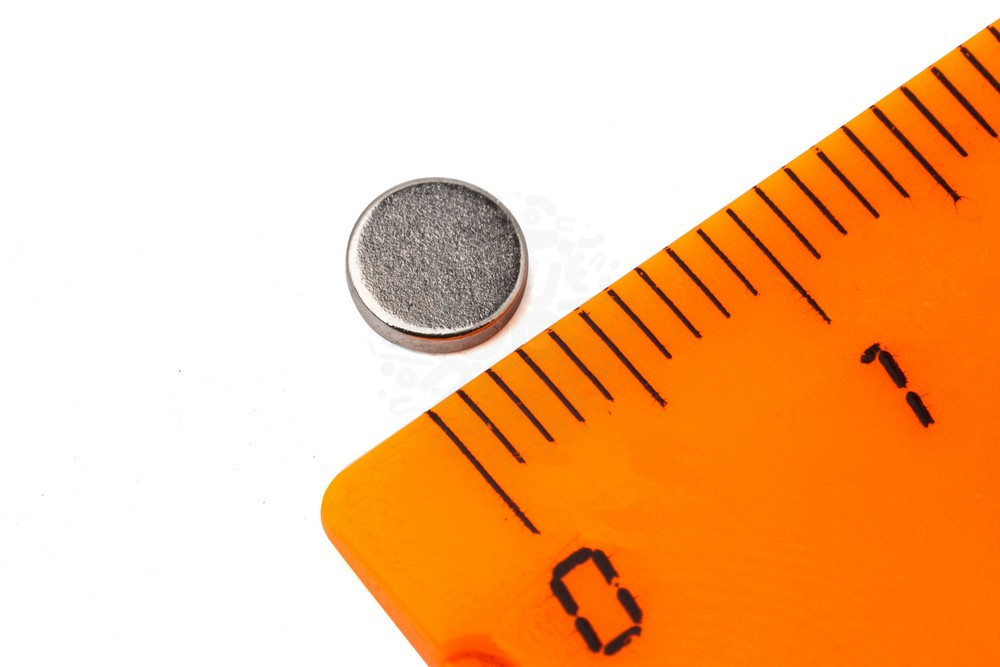 Неодимовый магнит диск 5х1 мм, N52 в Москве