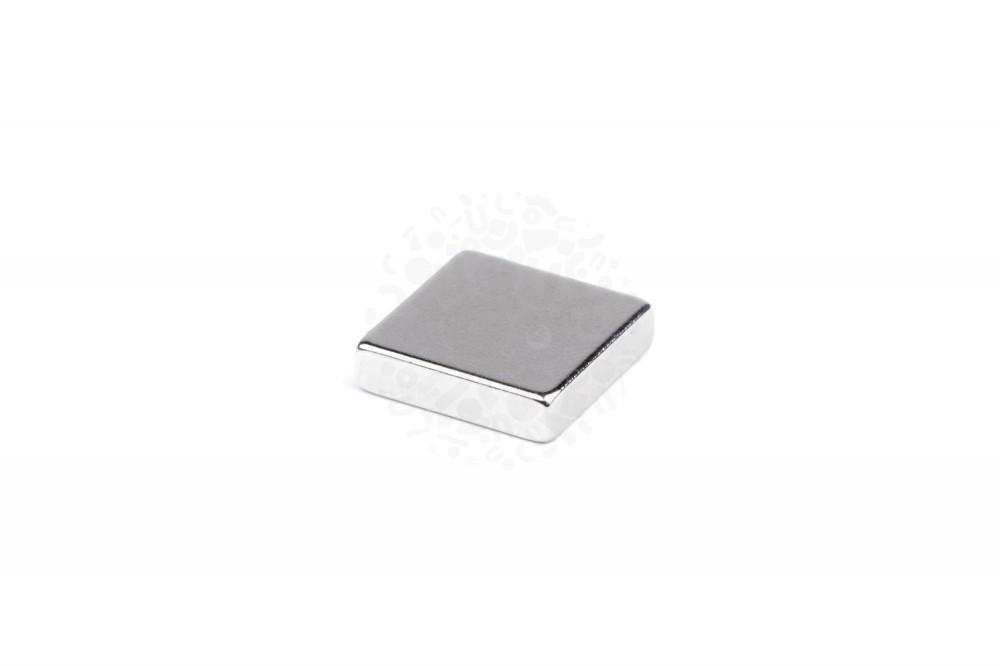 Неодимовый магнит прямоугольник 20х20х5 мм