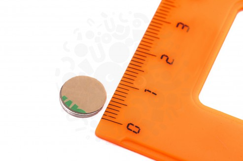 Неодимовый магнит диск 10х1 мм с клеевым слоем в Москве