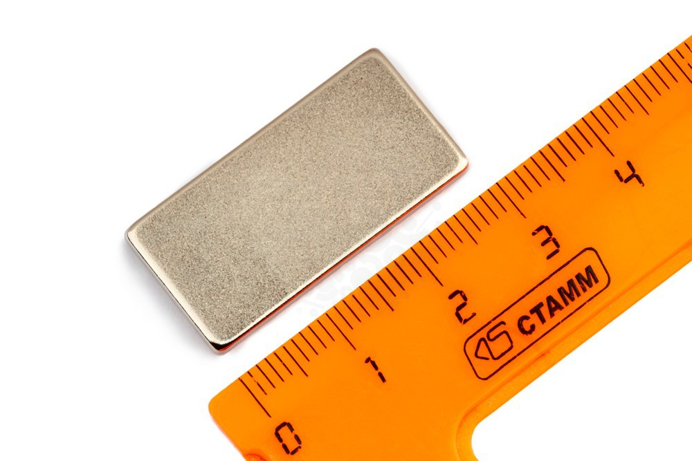 Неодимовый магнит прямоугольник 30х15х2 мм, N33 в Симферополе