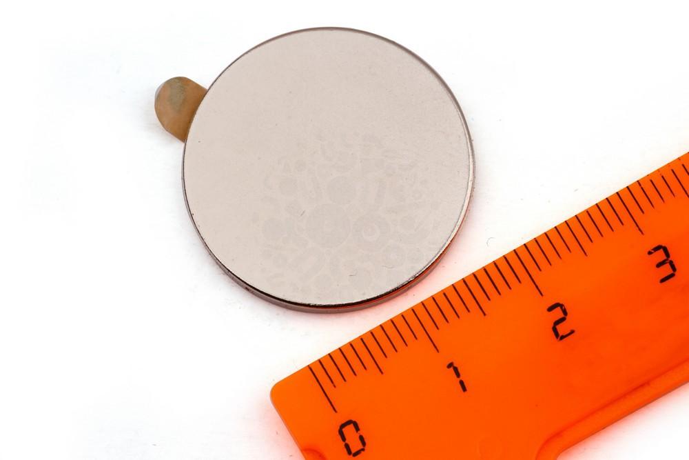 Неодимовый магнит диск 25х2 мм с клеевым слоем в Ижевске