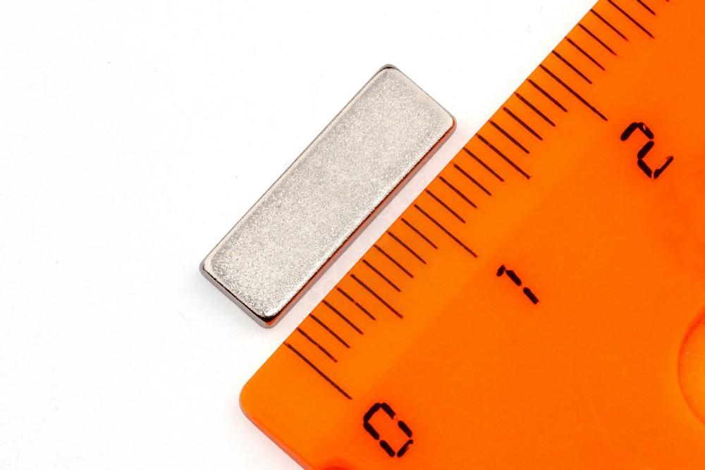 Неодимовый магнит прямоугольник 15х5х1.5 мм, N35 в Саратове