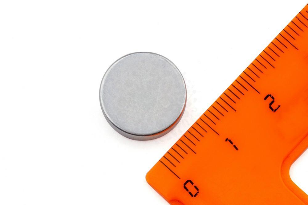Неодимовый магнит диск 15х4 мм, цинк, N35 в Балашихе