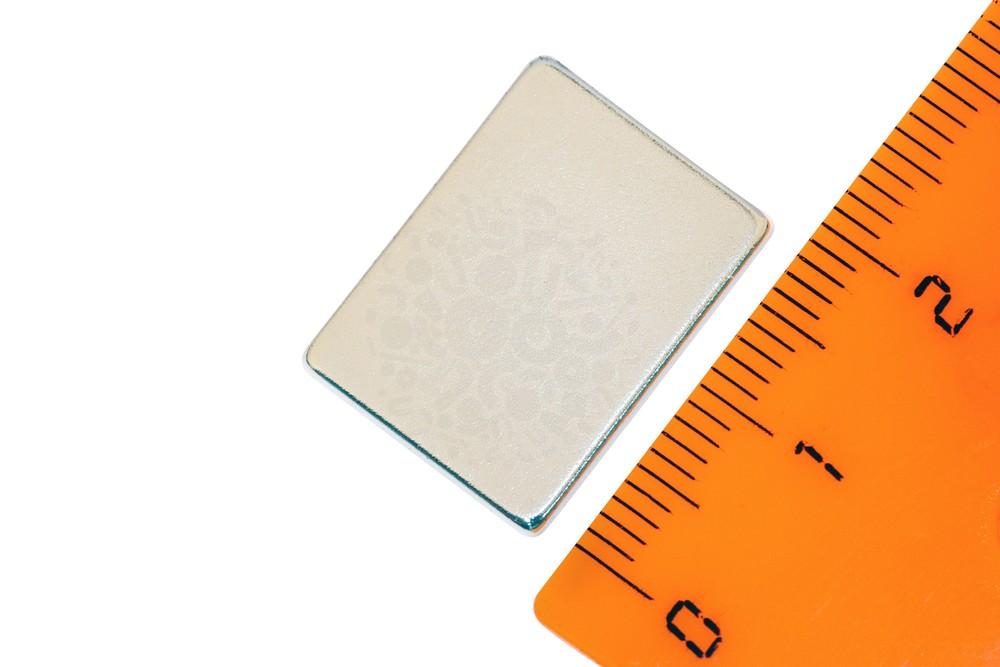 Неодимовый магнит прямоугольник 20х15х2 мм в Иваново