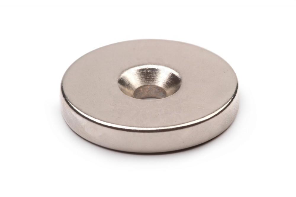 Неодимовый магнит диск 30х5 мм с зенковкой 5/10 мм в Казани