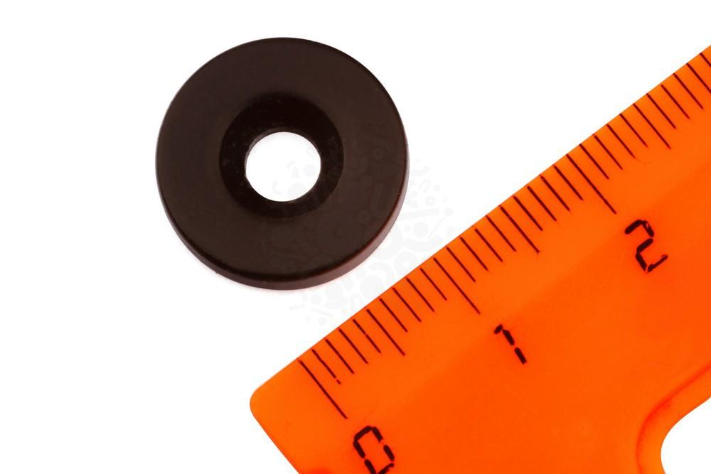 Неодимовый магнит диск 15х3 мм с зенковкой 4.5/7.5 мм, черный в Иваново